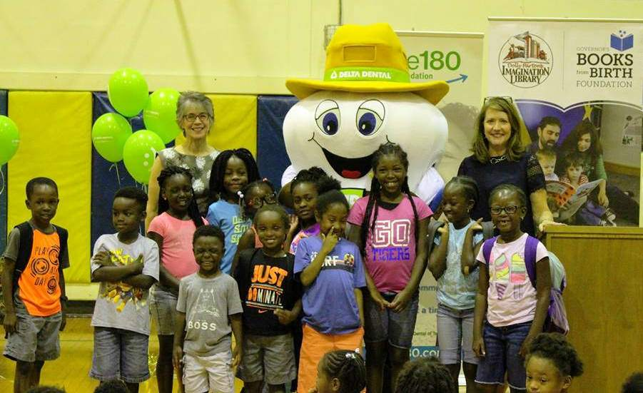 First Lady Haslam Celebrates Smile Power Week at Looby Public Library